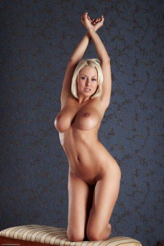 Шикарная блондинка Дарья Макарова