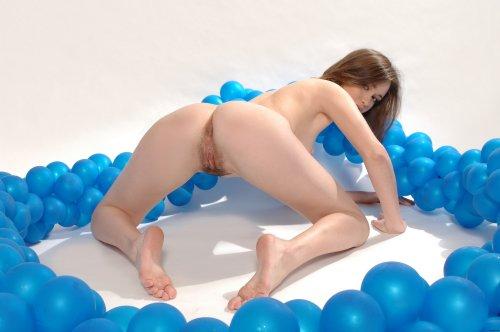 Elize - стриптиз с воздушными шарами