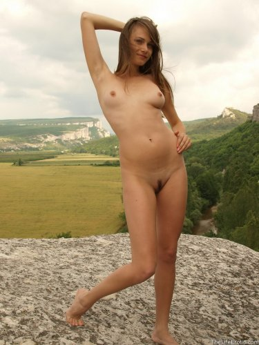 Юлия над пропастью