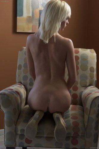 Блондинка Holly