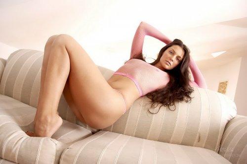 Ирина на полосатом диване