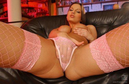 Eve Angel в розовых чулках