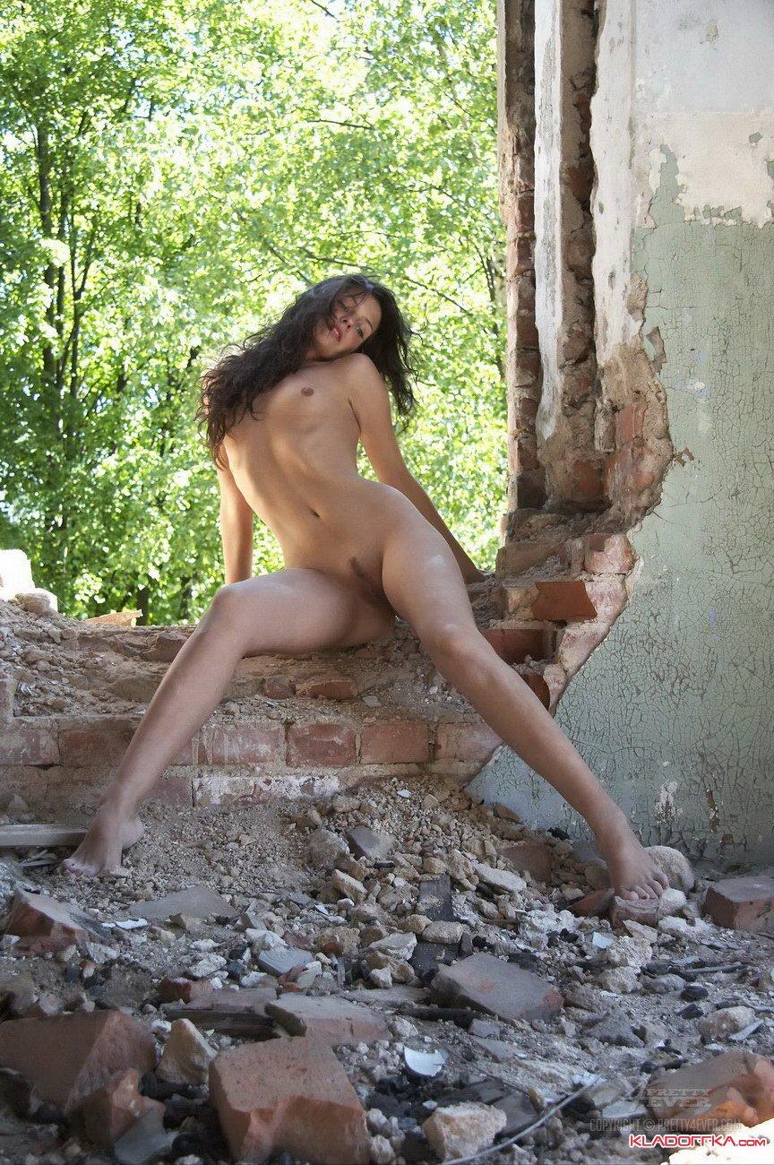 Порно на заброшенных зданиях, супер минет королевский