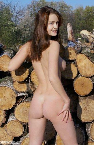 Надин на лесоповале