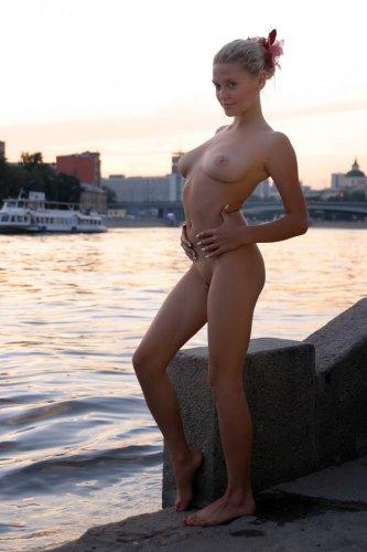 Валентина на Москве-реке