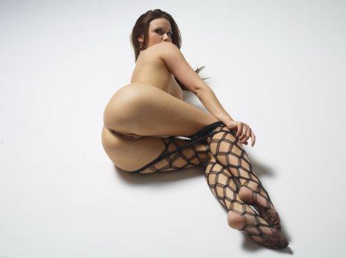 Марьяна на полу