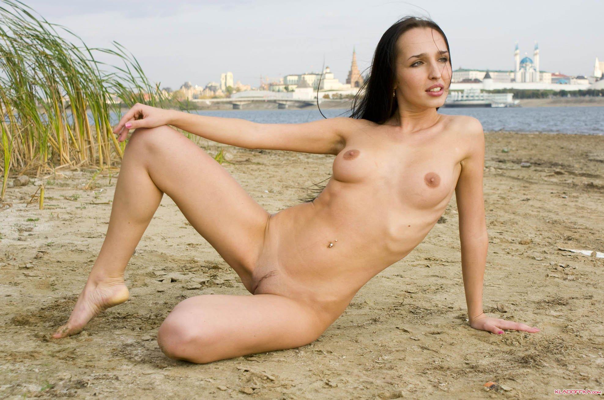 голые девушки в казане