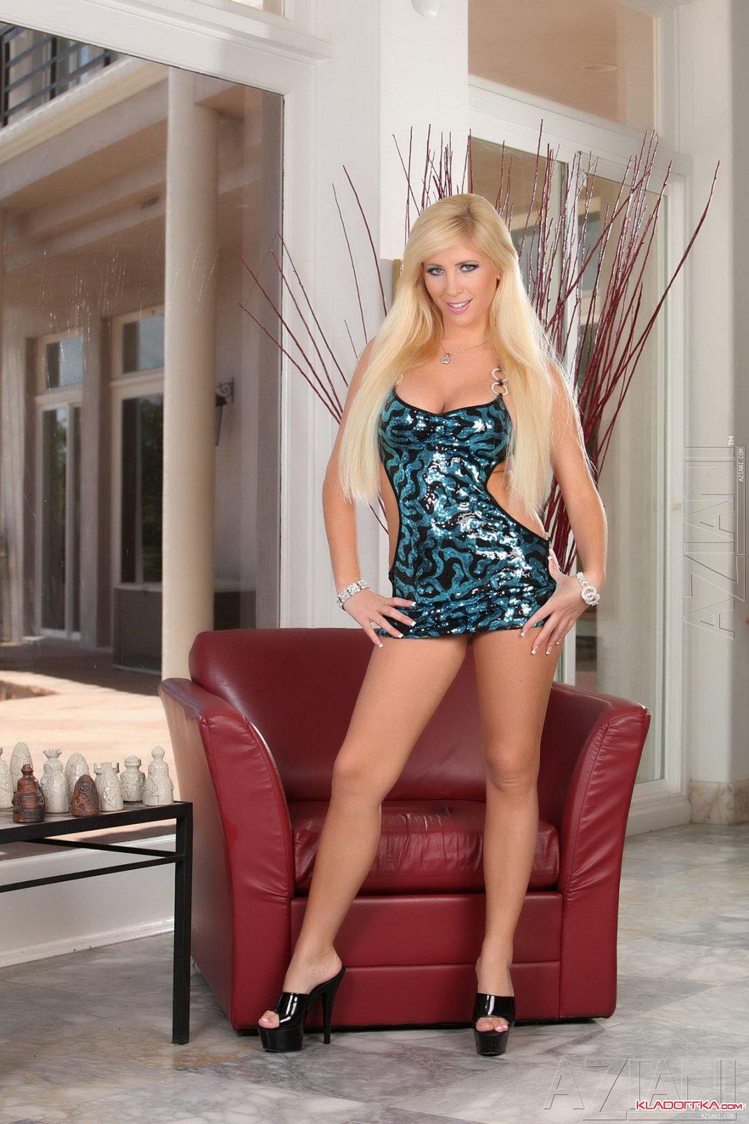 Голая порно звезда Tasha Reign смотреть онлайн 5 фото