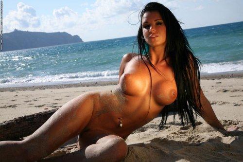 Ashley Bulgari �� ��������� �����
