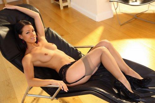 Kristina Uhrinova (Melisa Mendiny)