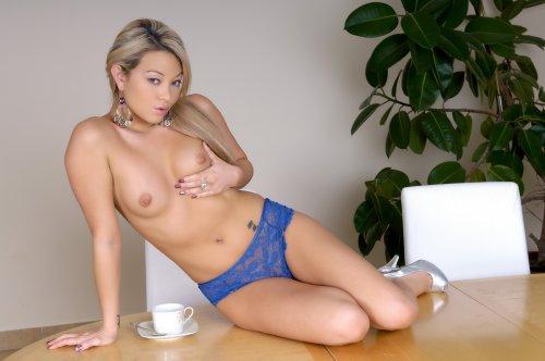 Natalia Forrest �� �����
