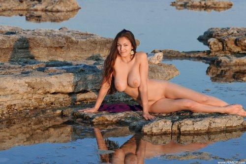 Сочная грудь грациозной Sofie