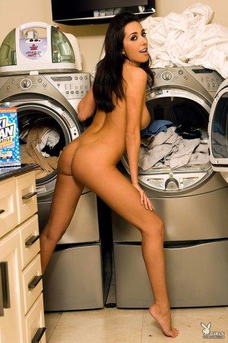 Candice Guerrero затеяла стирку