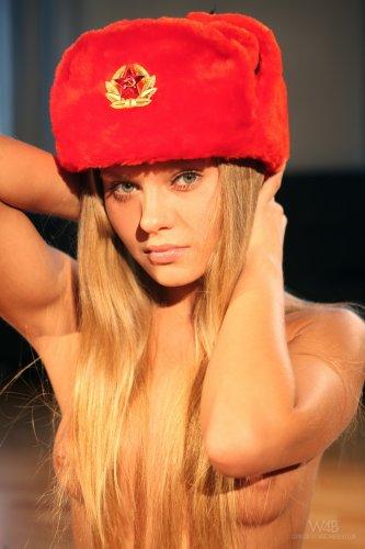 Willa в красной шапке