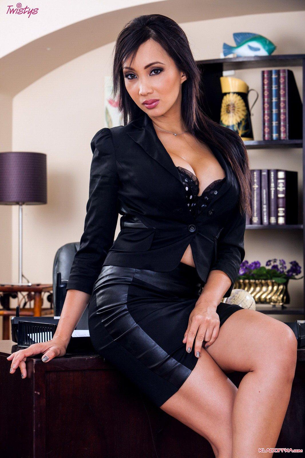 Деловая Katsuni в офисе » Красивые эротические фото, голые девушки ...