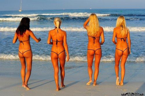 Пляжные развратницы
