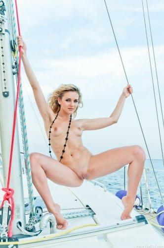 Thea на яхте