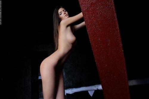 Barbara в красном плаще
