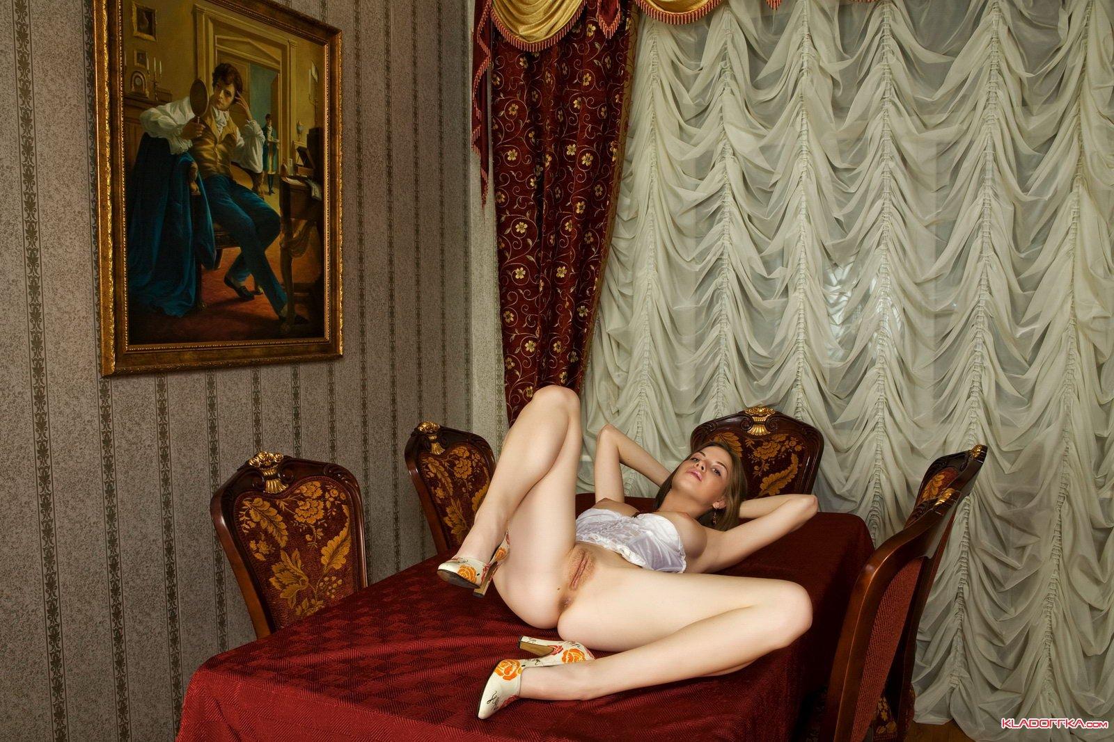 Смотреть порно во дворце 11 фотография