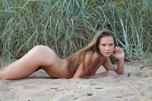 Евгения на песочке
