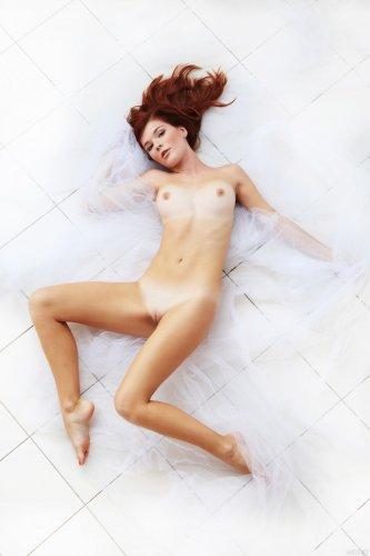 ����������� Mia Sollis
