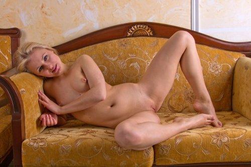 Блондиночка Елена