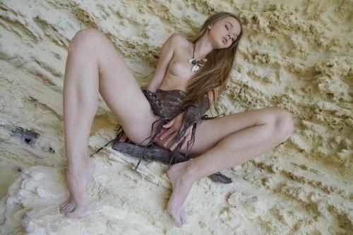 Красотка Milena на морском берегу