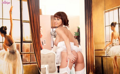 �������� Roxanne Milana