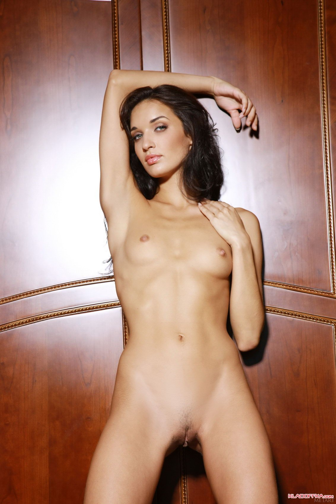 Фото голих артісток фото 664-847