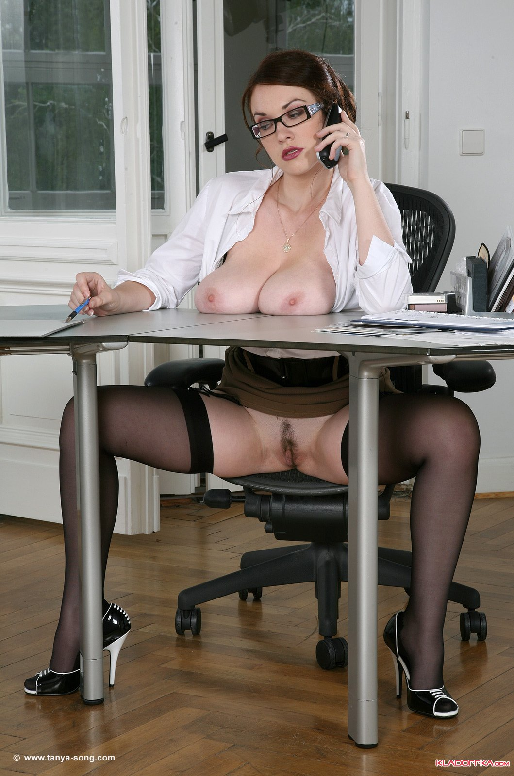 Русские офисные шлюшки 17 фотография