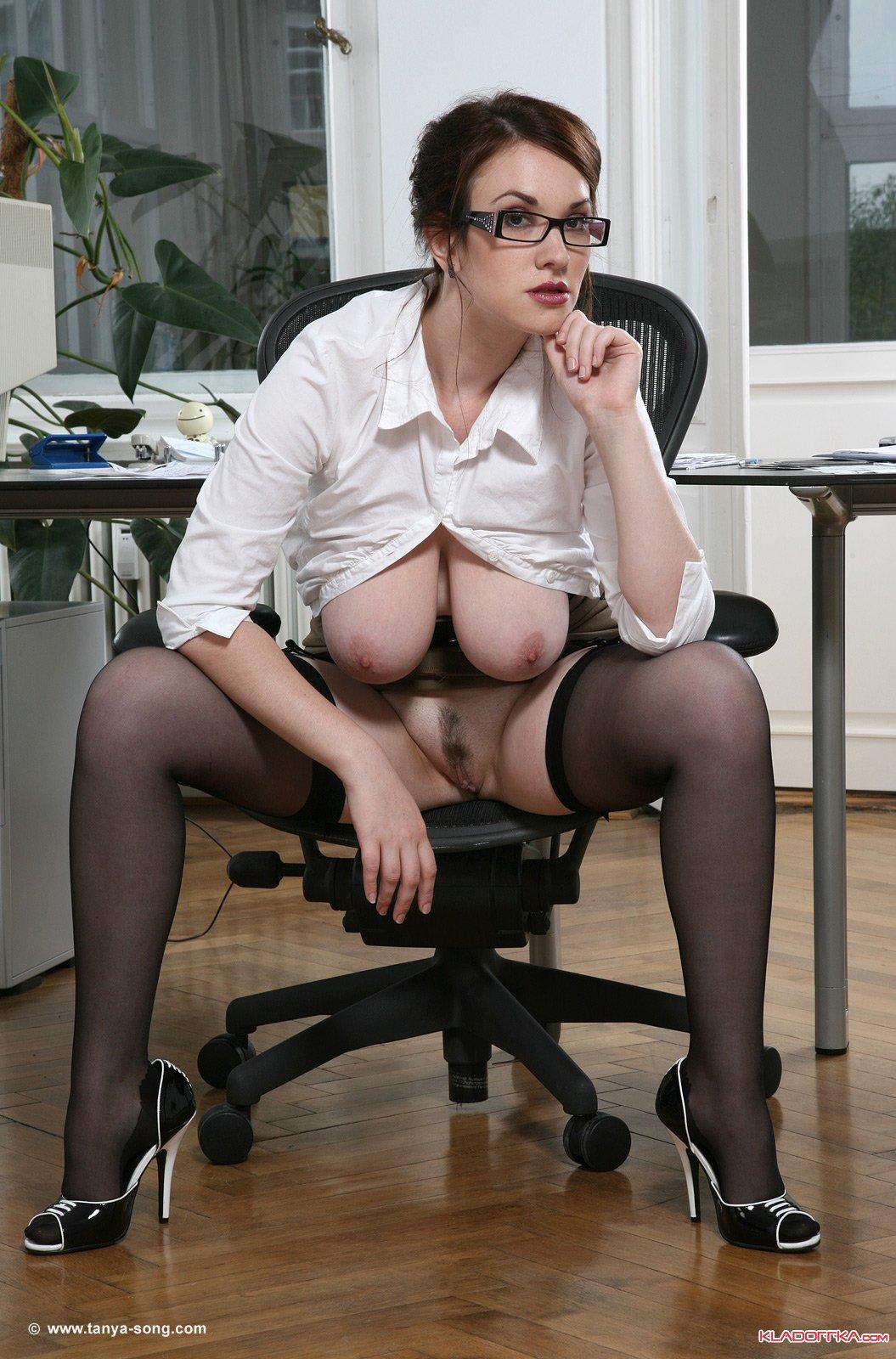 tanya tits Anna song secretary
