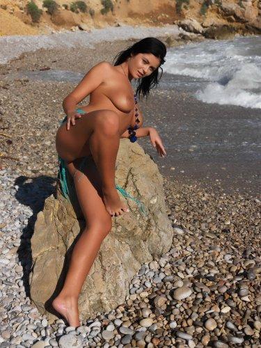 Karima на пляже