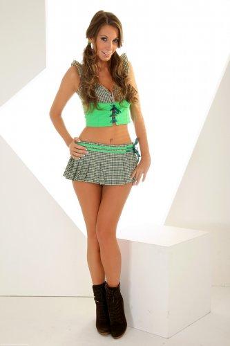Lizzie Ryan в короткой юбке