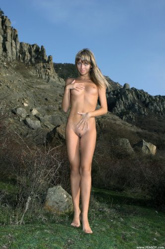 Rafaella E. в горах