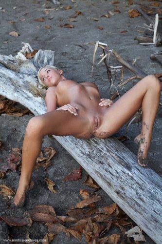 Natali Blond