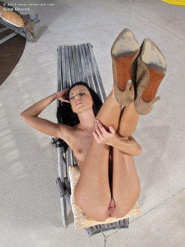 Фаллоимитатор – одна из наиболее популярных секс-игрушек