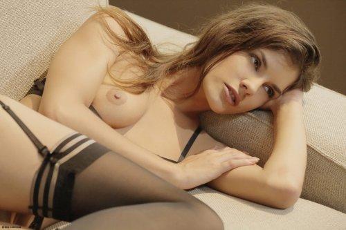 Candace Luca возбудилась просматривая порно