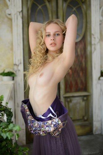 Nika L