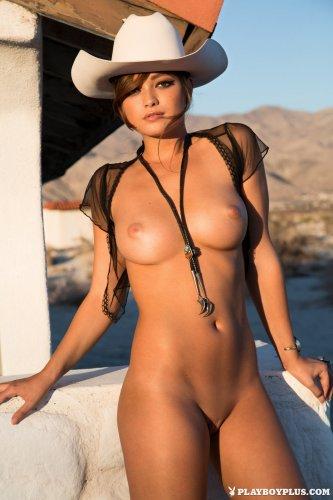 Ковбой с отличными сиськами Chelsie Aryn