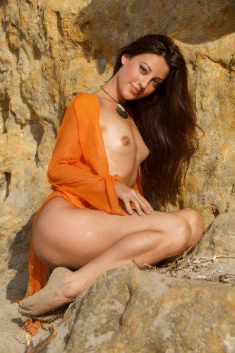 Lorena Garcia и ее небритая киска