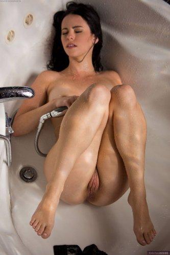 Влажная и сексуальная Veronica Radke