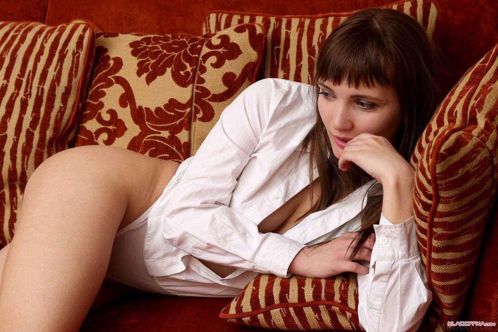Фото женщин эротика небритая киска #11