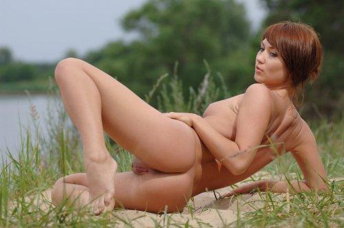 Натуральная Katrin и ее небритая киска