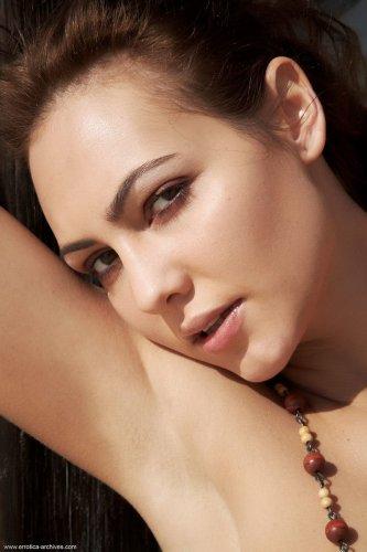 Jennifer Max