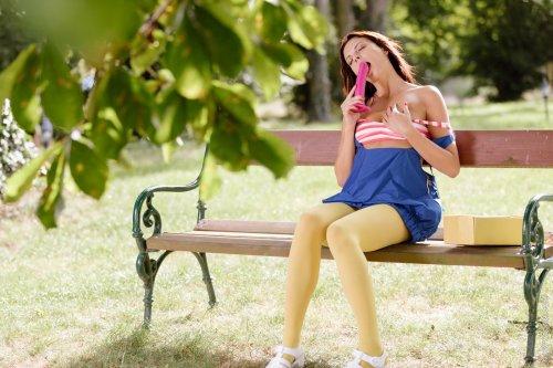 Monika Benz - Секс с фалосом в парке