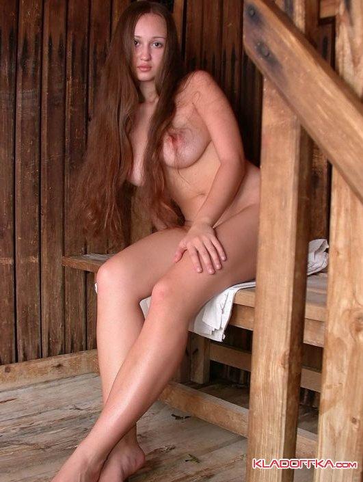 Девушка В Деревенской Бане
