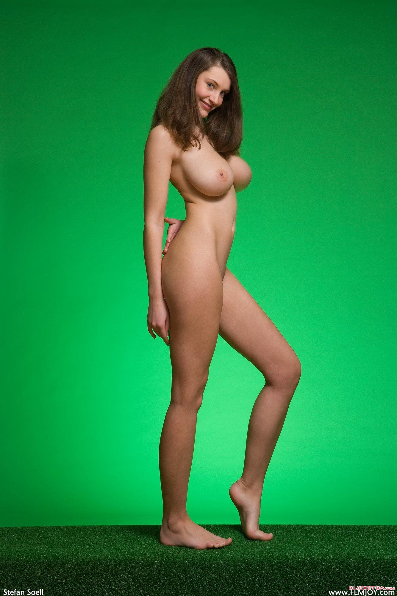 Green Screen Model Nude
