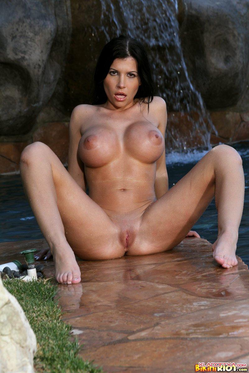Sex Rebecca Nude Massage Pictures